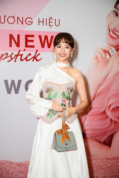 hari won xuan nghi va miko lan trinh hoi ngo tai su kien