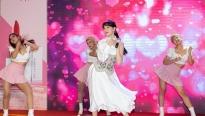 Hari Won, Xuân Nghi và Miko Lan Trinh hội ngộ tại sự kiện