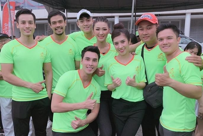 cao xuan tai ru dan nam vuong hoa hau vietnam fitness model chay bo vi nu cuoi tre em