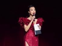 MC Hoàng Oanh vẫn đắt show trước ngày cưới