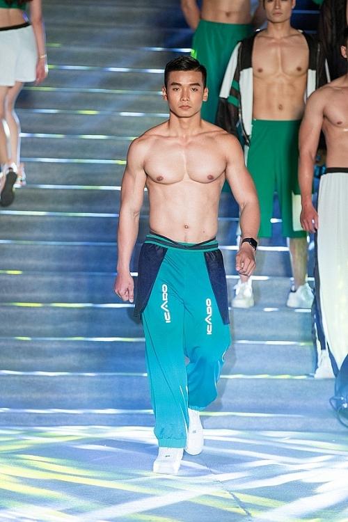 dan nguoi mau vietnam fitness model gay nao loan truong dai hoc