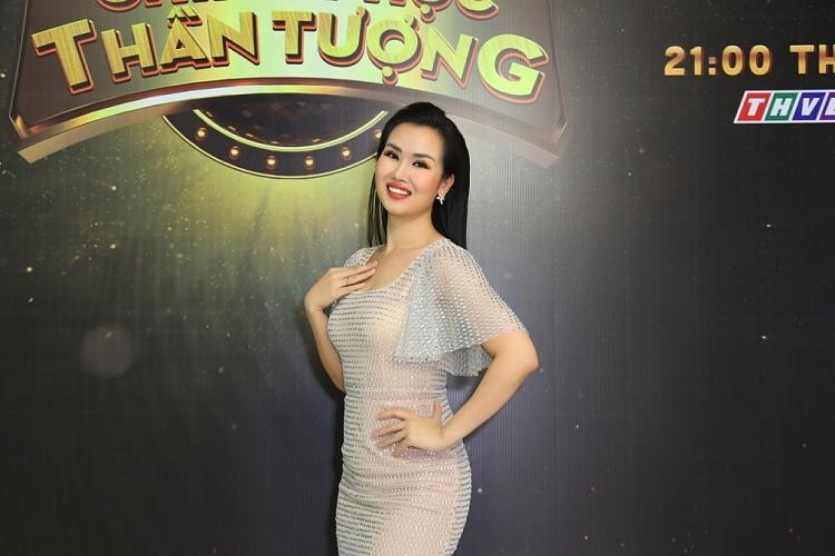 nhin lai su nghiep 17 nam cua nam cuong song kin tieng khong scandal mai am hanh phuc cung vo va hai con trai