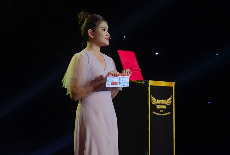thi sinh en vang hoc duong 2020 lan toa thong diep y nghia cua viec hien mau nhan dao