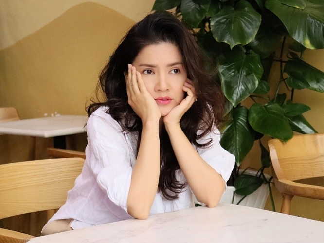 ngoc trinh tro lai man anh nho voi series phim xin chao hanh phuc