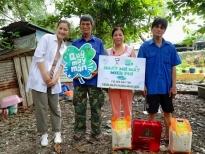 'Ngày may mắn': Ngọc Lan tặng suất mổ mắt miễn phí cho gia đình bác xe ôm nghèo