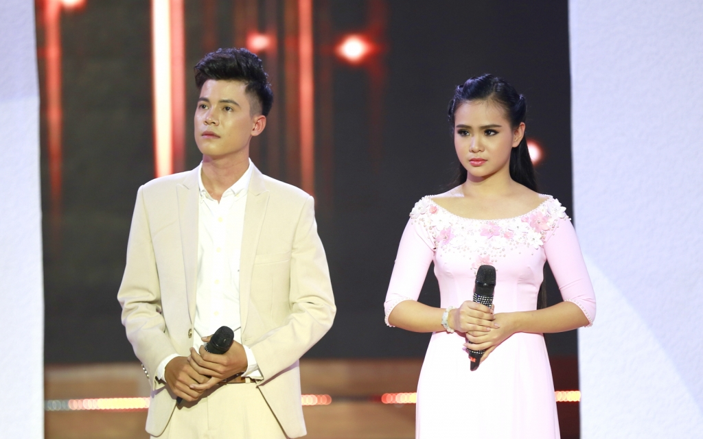 giam khao phi nhung thang thung che con gai hat live chua hay 19548