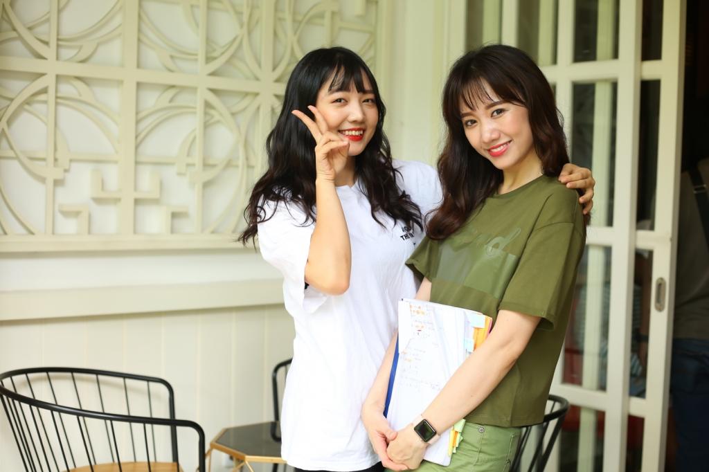hari won huong dan em gai dien xuat trong web drama dinh dam gia dinh men