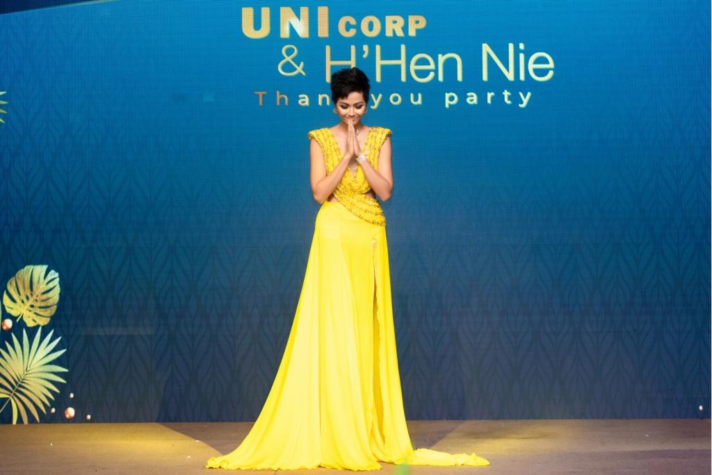 hhen nie boi hoi xuc dong ke lai hanh trinh toa sang tai miss universe 2018