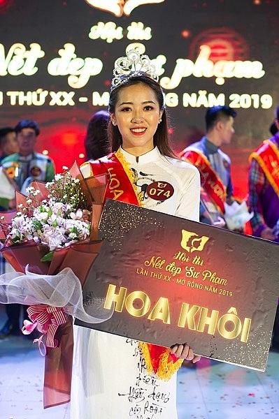 thuy trang anh khoa dang quang hoa khoi va nam vuong hoi thi net dep su pham lan thu xx mo rong nam 2019