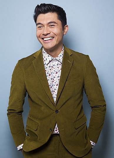 he lo ly li ch soa i ca lai hot nha t hollywood hie n nay henry golding