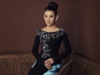NSƯT Mỹ Uyên chăm sắcvóc để luôn đẹp với áo dài