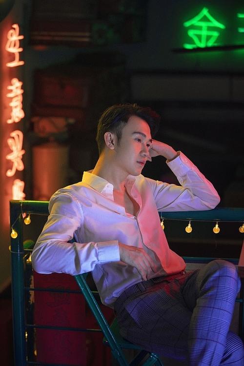 duong trieu vu moi quan he giua toi va anh hung khong phai yeu nhung con lon hon tinh yeu