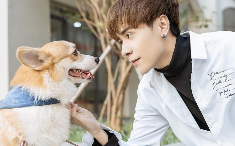 Ngoài vẻ đẹp giống 'chàng trai thanh xuân' Hồ Nhất Thiên, Quang Hùng MasterDcòn sở hữu giọng hát ấm áp và khả năng sáng tác