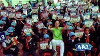 Hoa hậu H'Hen Niê gây quỹ hơn 22.000 USD cho tổ chức 'Room to Read'