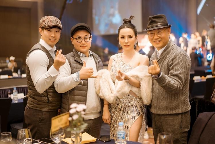 hoa hau chau ngoc bich sang han quoc lam giam khao cuoc thi supper model contest 2019