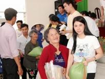 Á hậu Phương Nghi trao 150 suất quà cho bà con nghèo tỉnh Tiền Giang