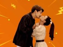Quốc Anh và Sam tái hiện nụ hôn lãng mạn trong phim 'Bí mật của gió'