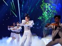 'Sao tìm sao': Bộ 3 Phi Nhung, Đàm Vĩnh Hưng, Đoan Trang thị phạm múa quạt cho thí sinh