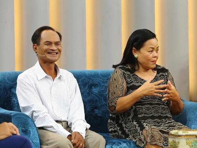 'Mảnh ghép hoàn hảo': Niềm hạnh phúc nhỏ nhoi của cặp vợ chồng chuyên cứu người trên sông