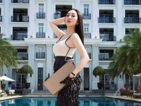 Hoa hậu Huỳnh Thúy Anh diện set đồ hiệu đón Giáng sinh