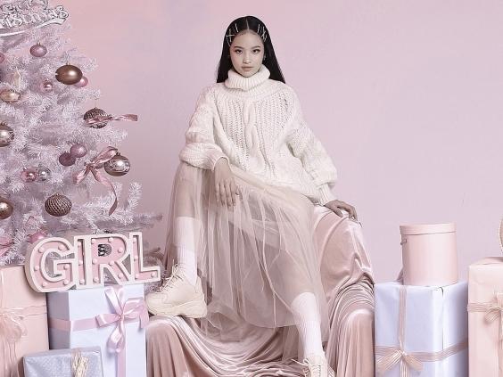 'Tiểu thư nhí' Bảo Hà đẹp ngọt ngào với tone màu pastel