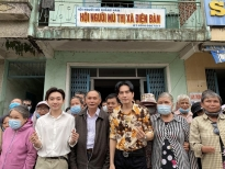 Đan Trường - Trung Quang thực hiện lời hứa hỗ trợ Hội người mù xã Điện Bàn