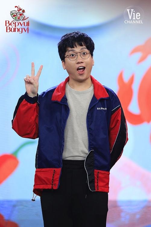 'Bếp vui bùng vị': Hari Won vừa gặp đã cà khịa Lâm Vỹ Dạ, Trường Giang 'châm ngòi' khiến 'bà mẹ 2 con' tiếp đà gục ngã