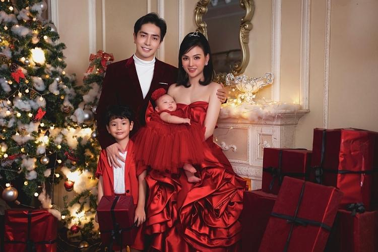 Ca sĩ Thu Thủy khoe bộ ảnh gia đình hạnh phúc