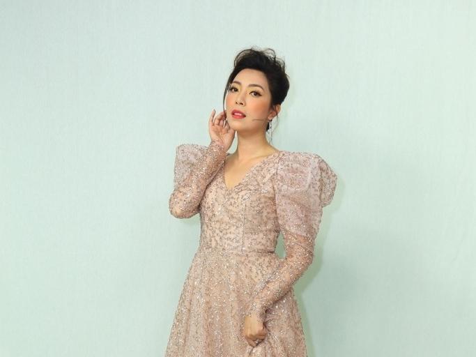 Quán quân Tuyết Mai cảm thấy có lỗi với chồng Malaysia khi quyết định về Việt Nam đi hát