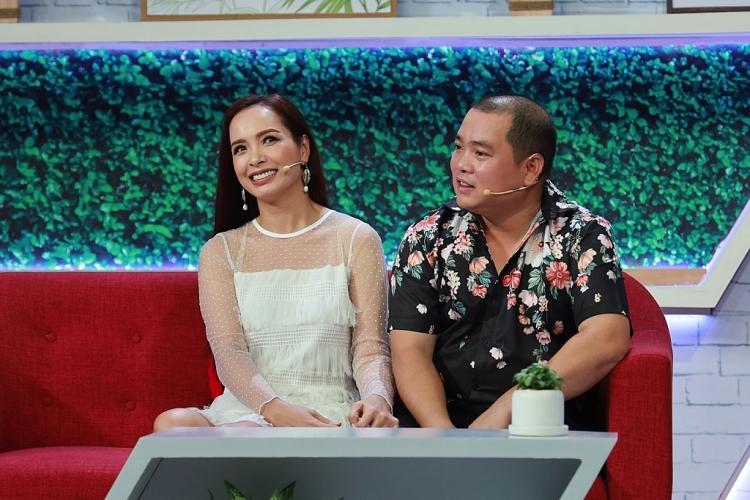 Thúy Hạnh bỏ quên chồng ở sân bay, Minh Khang 'khóc' vì lạc vợ
