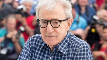 su tro lai cua woody allen trong vong xoay cam do