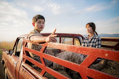 a Hậu duệ mặt trời là một trong những tác phẩm làm nên tên tuổi cho nữ biên kịch Kim Eun Sook