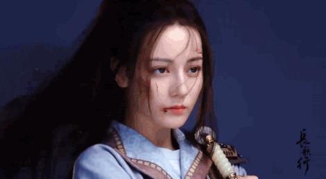 Triệu Lộ Tư tuyên bố đấu tay đôi với Địch Lệ Nhiệt Ba dù chỉ là nữ phụ trong Trường Ca Hành