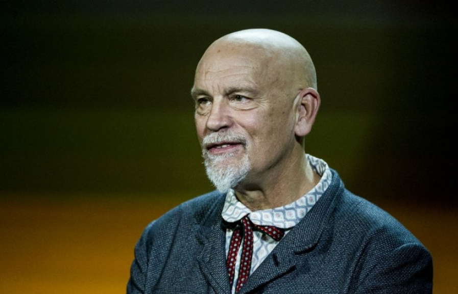 john malkovich tham gia extremely wicked shockingly evil and vile
