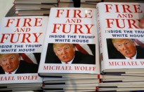 cuon sach fire and fury inside the trump white house duoc chuyen the thanh phim truyen hinh