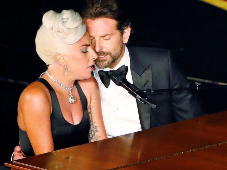 lady gaga bac tin don co tinh cam voi bradley cooper