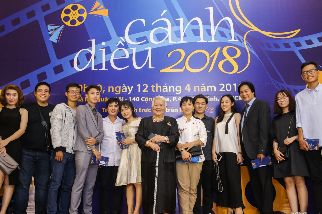 nghe sy dien anh no nuc tham du le trao giai canh dieu 2018
