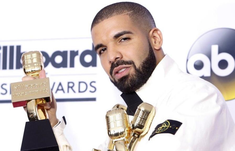 drake lap ki luc khi doat 13 giai billboard music awards
