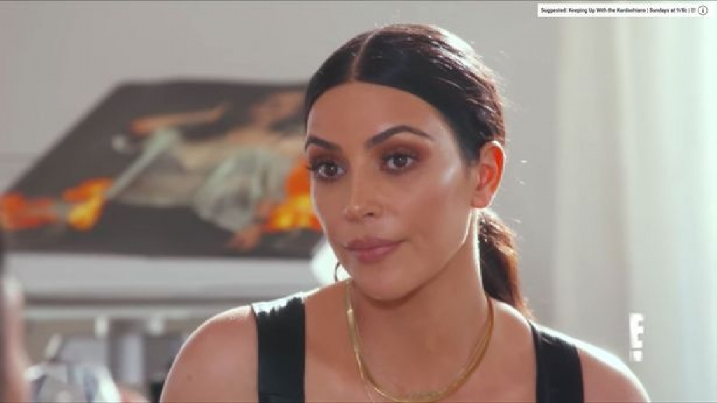 kim kardashian va kendall jenner bat man voi tu truyen cua caitlyn