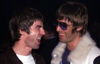 Liam Gallagher kêu gọi người anh Noel hồi sinh Oasis