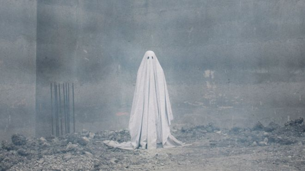 casey affleck bien thanh ma trong a ghost story