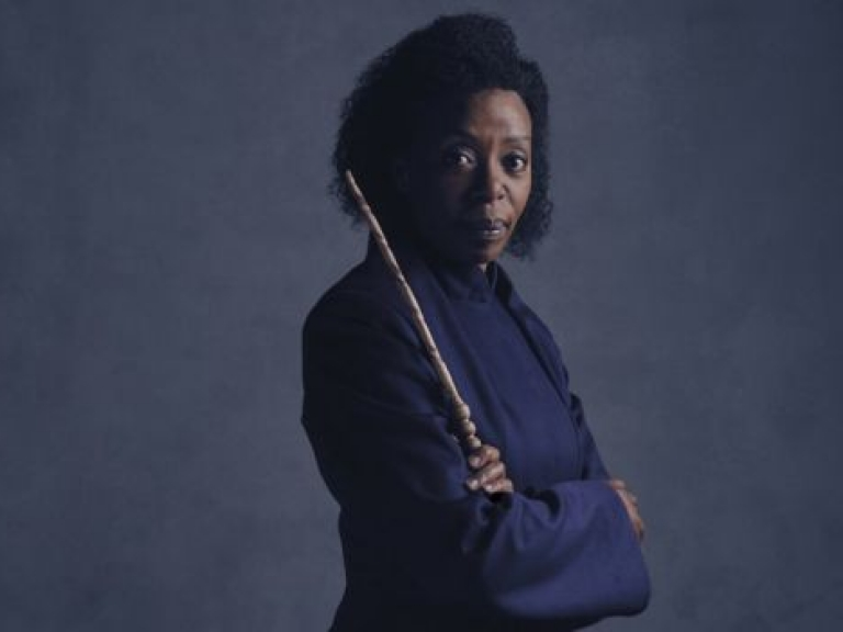 noma dumezweni tham gia vo kich harry potter and the cursed child dien tai my