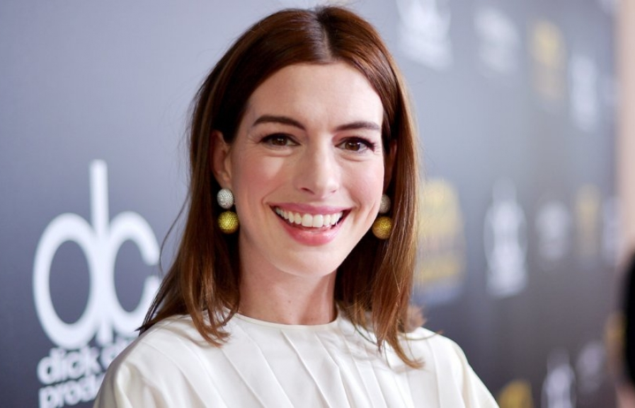 anne hathaway se dong vai chinh trong bo phim sesame street