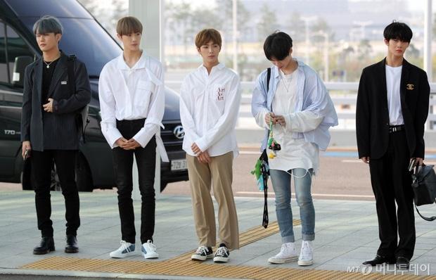 pho chu tich park seo joon hop hon fans voi kieu toc la thuong