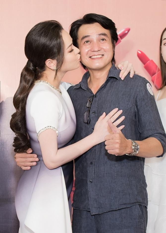 khong chi ket doi trong phim thi binh con hon ma cau ba khai duy cuc tinh tai su kien