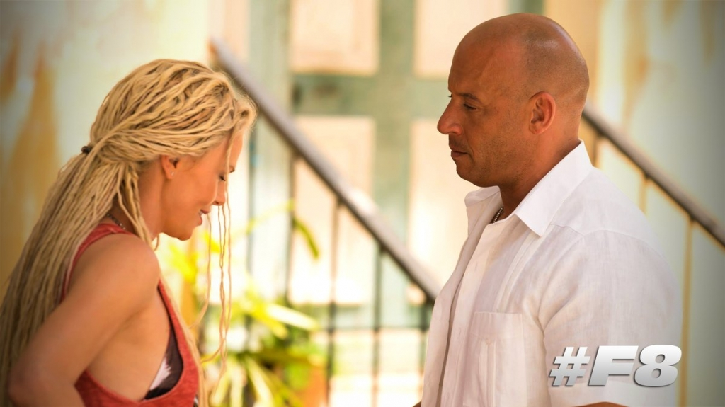 "Cùng xem Charlize Theron khóa môi Vin Diesel trong trailer ""The Fate of the Furious"""